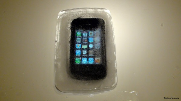 lifeproof-iphone-deep-frozen-1