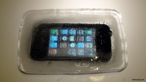 lifeproof-iphone-deep-frozen-2